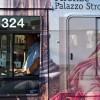 Photo 9: Stadtbus mit Ausstellungsreklame,Florenz 2011 © Werner Mansholt