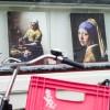 Photo 4: Vermeer ist überall, Schaufenster in Amsterdam 2013 © Werner Mansholt
